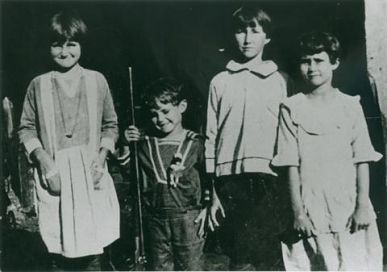 Sammon Siblings: Grimes County, Texas, c1925, L-R: Flossie, Adell, Opal, and Rachel Sammon
